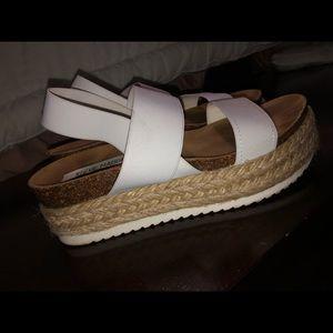 NEW Steve Madden platform sandals